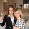 18 maart 2013 was er in Culinaire Verwennerij Bij Jef een exclusieve champagne-proeverij. Op de foto Vitalie Taittinger van het beroemde champagnehuis en gastvrouw Nadine Mögling. Op de achtergrond het prachtige werk van Jolanda van Gennip.