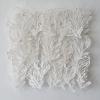 Marian Smit en Maurice Christo van Meijel: Tulpbladerenstructuur (2017) papier en draad, 25 x 25 cm