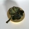 Klaver, brons, 6 x 10 x 9 cm