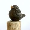 Vogeltje met mondkapje, brons, 10 x 5 x 4 cm