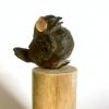 Vogeltje met koptelefoon, brons, 11 x 4 x 4 cm